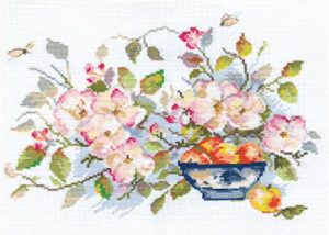2-10-Yablonevii-cvet